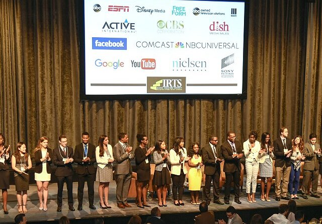 2016 IRTS Newsmaker, fellows group shot
