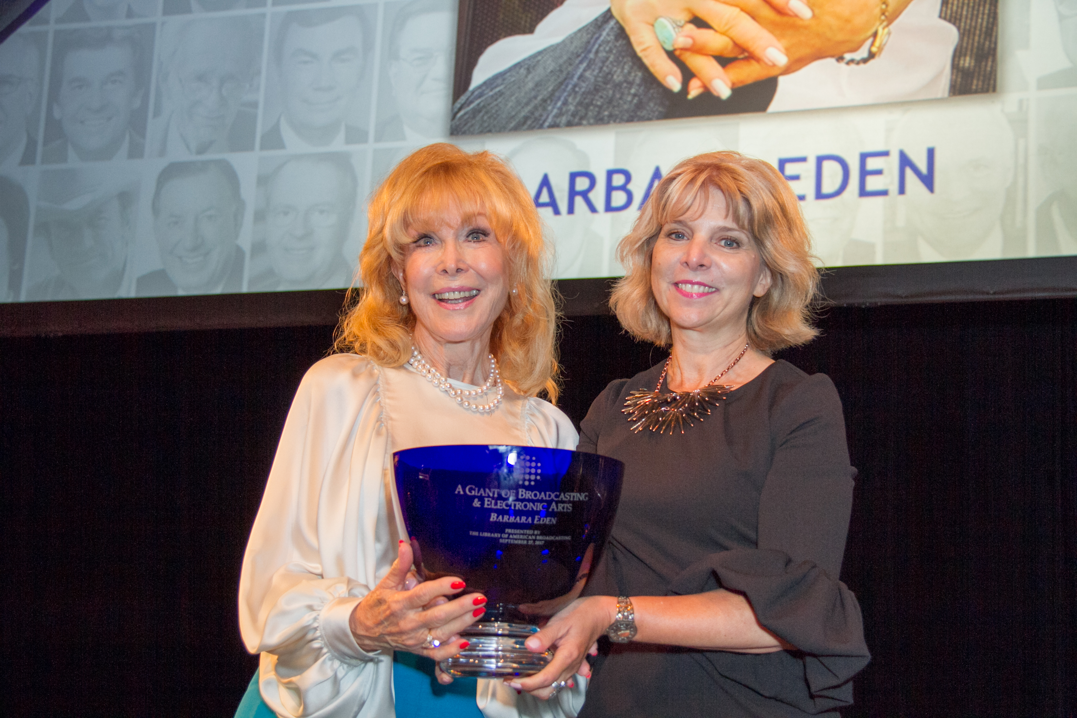 2017 Honoree Barbara Eden accepting her Giants award