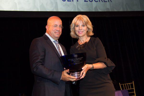 2017 Honoree Jeff Zucker accepting his Giants award