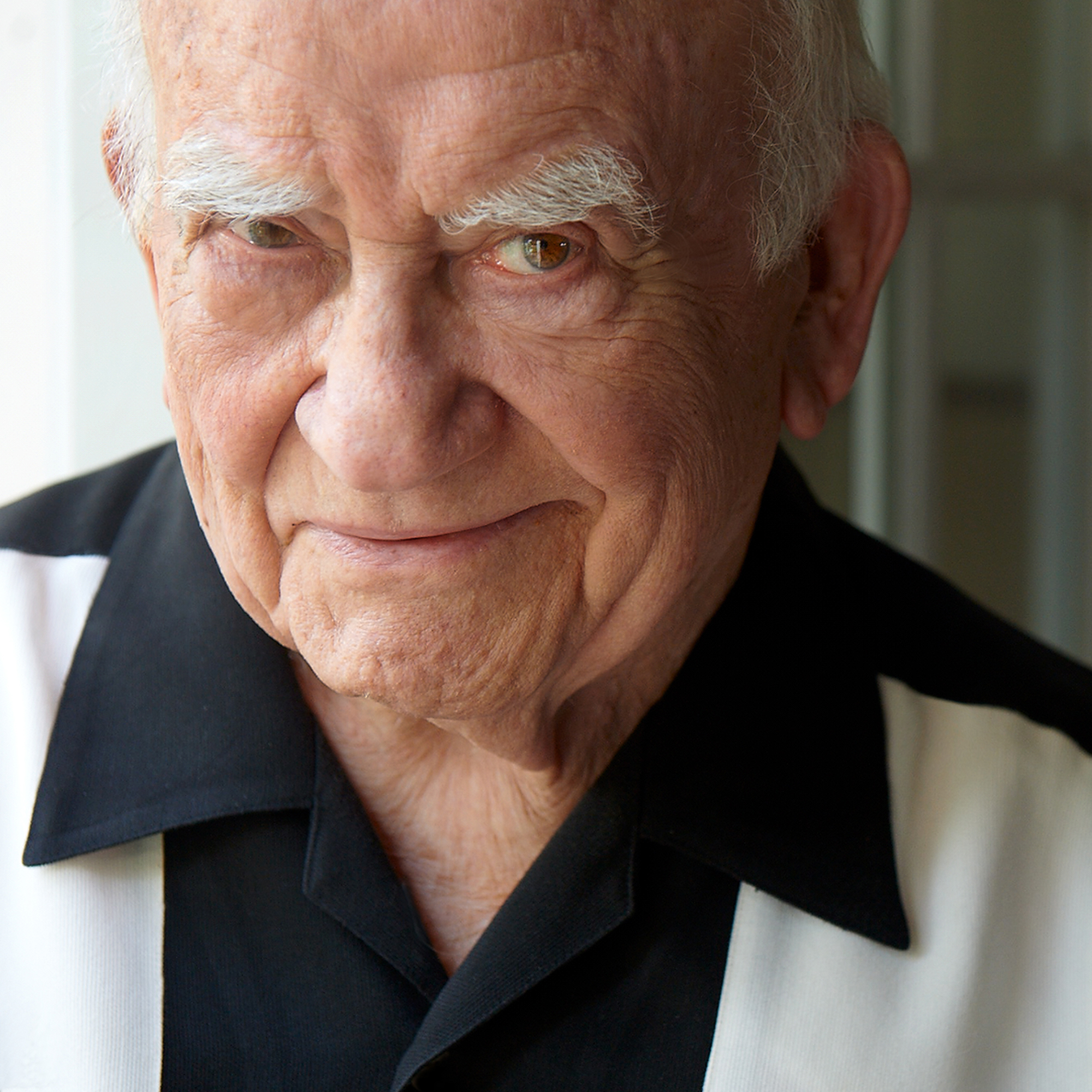 """Ed Asner of """"The Mary Tyler Moore Show,"""" a 2018 Giants of Broadcasting Honoree"""